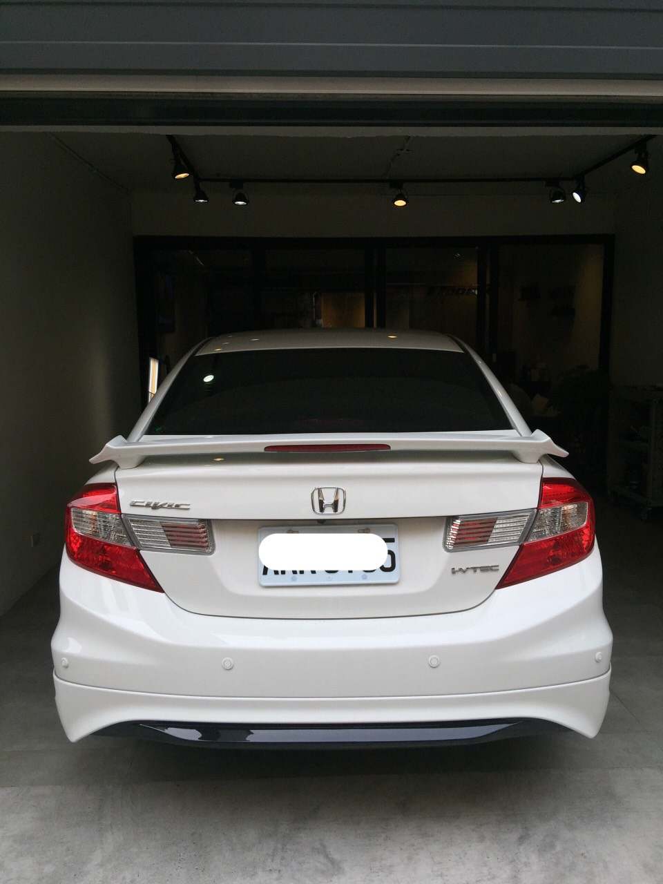 Honda Civic 前葉子鈑凹痕修復